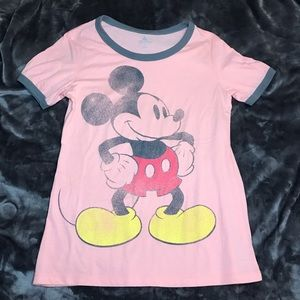 DISNEY Mickey Mouse Tshirt distressed print size M